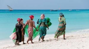 Tanzania People at the indian ocean coast