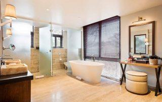 Guest Room Bathroom with Bathtub