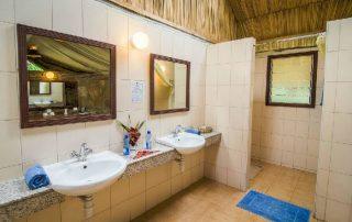 Sentrim Mara Lodge Bathroom